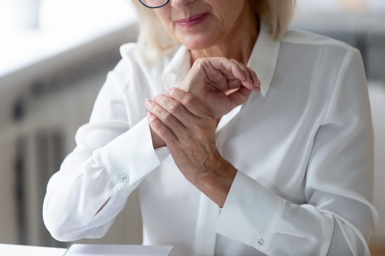 Zespół cieśni nadgarstka: objawy i leczenie